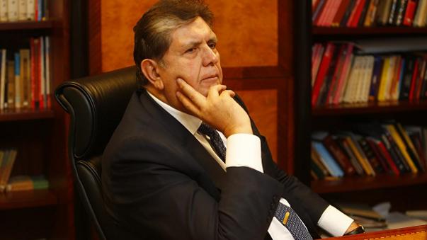 Perú: Expresidente García se dispara cuando agentes fueron a detenerlo