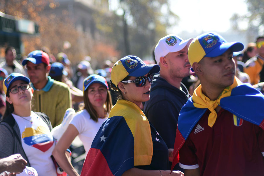 Gobierno permitirá ingreso al país de venezolanos sin documentos para
