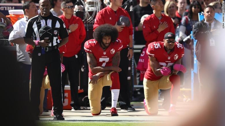 Rihanna rechazaría cantar en Super Bowl por solidaridad con Kaepernick