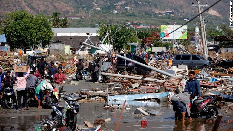 Al menos mil 234 muertos por terremoto y tsunami en Indonesia