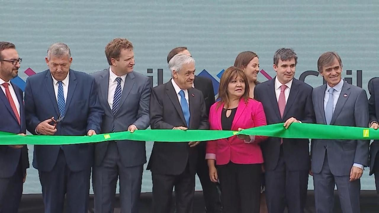 Photo: Pinera inaugurates a distribution center in San Bernardo