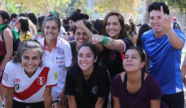 Convocan a una huelga feminista para este viernes en Chile