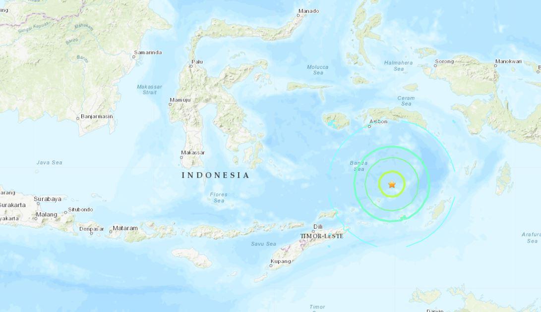 Terremoto de 7.3 sacudió este lunes el este de Indonesia