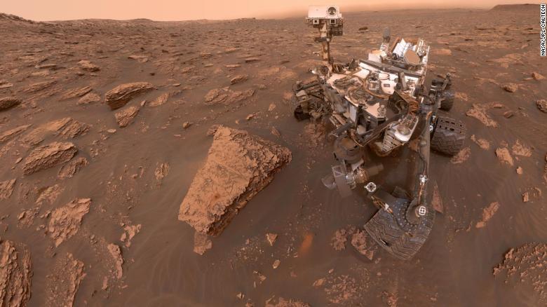 Científico revela que encontraron vida en Marte