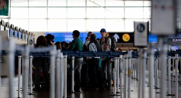 Chile rebaja tasas de embarques aéreos locales e internacionales_Spanish