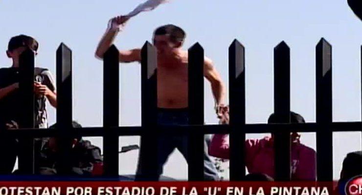 Colocolinos Realizan Violenta Protesta En La Pintana En Contra Del