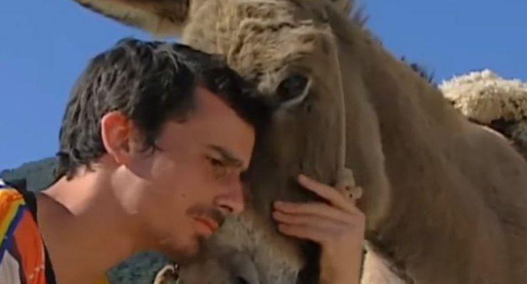 Pablo Schwarz como Juan del burro
