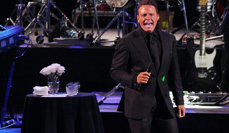 ¿Luis Miguel cantó ebrio? Su concierto en México fue criticado | VIDEOS