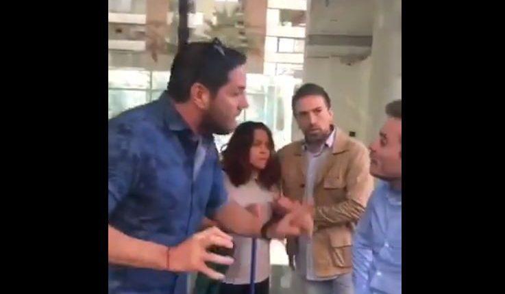 Pancho Saavedra protagoniza polémico comercial con doble de Bruce Willis