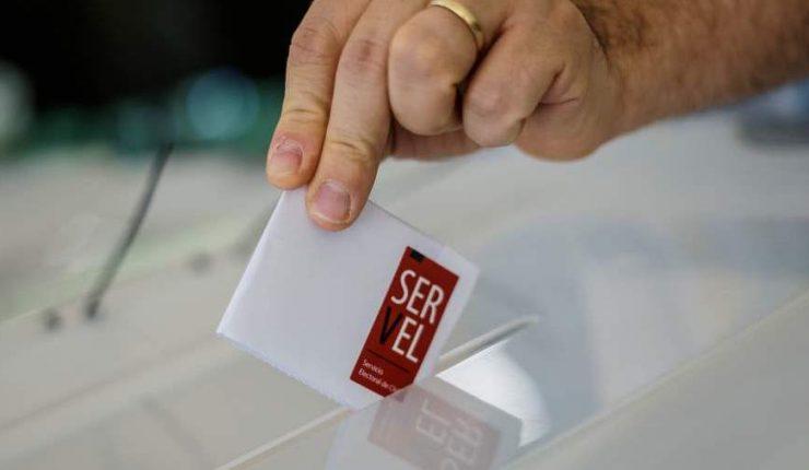 Data Influye: El 67% cree que el voto debiese ser nuevamente obligatorio