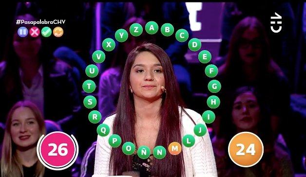 Bachelet felicita a joven ganadora de concurso televisivo utilizando lenguaje inclusivo