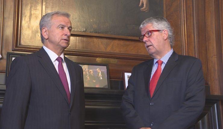 Debate por el crecimiento marcó bilateral entre Eyzaguirre y Larraín ...