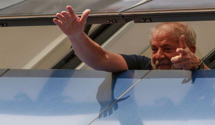 Juez ordenan liberación de Lula da Silva, ex presidente de Brasil