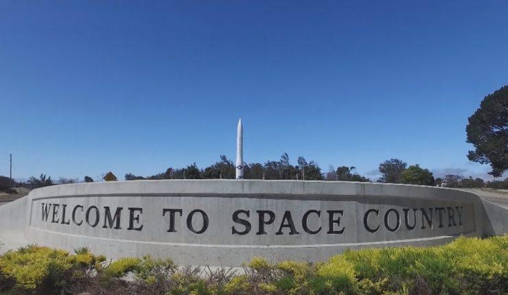 Mike Pence anuncia que EU creará Fuerza Espacial militar