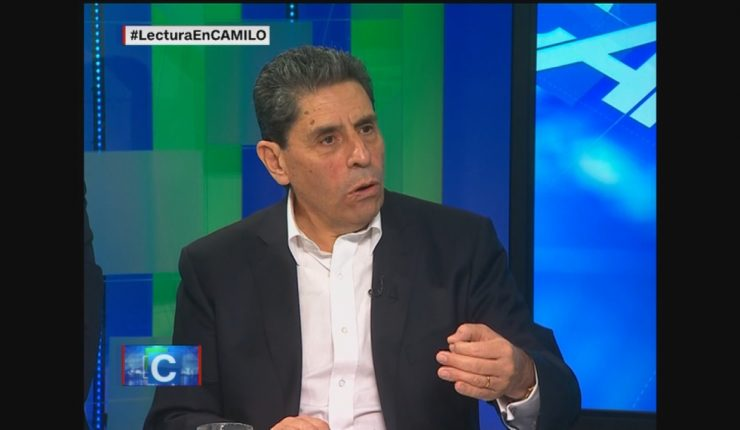 Aluvión cultural arrasa con ministro en Chile