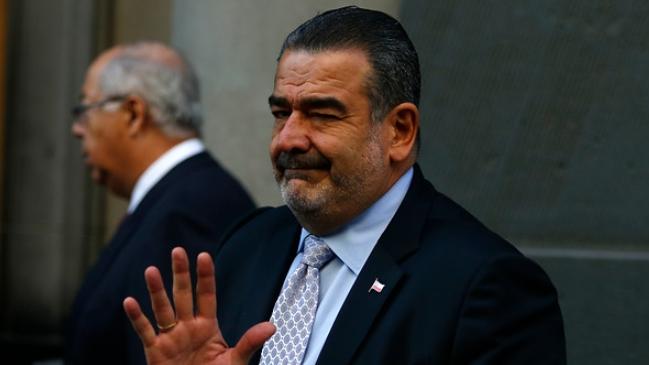Sebastián Dávalos presenta millonaria demanda por las rutinas de Yerko Puchento