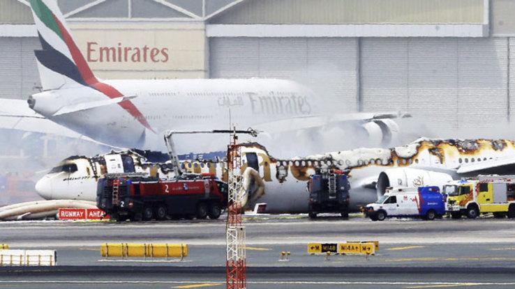 Hay al menos 18 enfermos — Avión en cuarentena