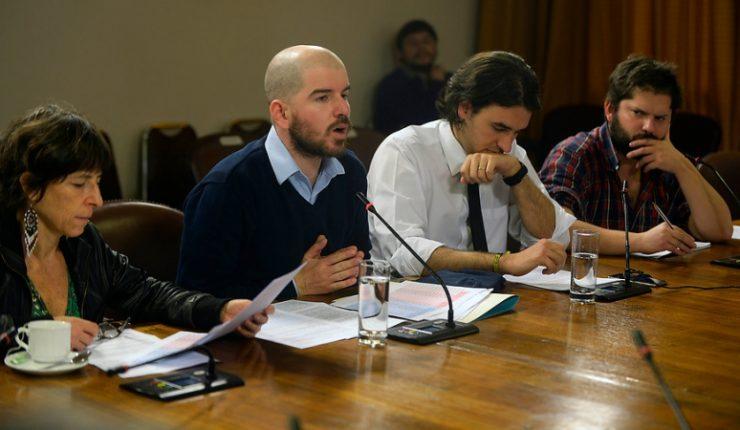 Diputado Mirosevic renunció a la presidencia de la comisión de RREE