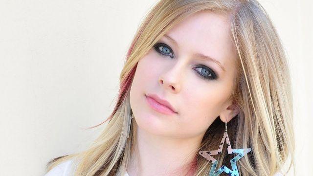 Avril Lavigne regresa a la música tras 5 años de ausencia