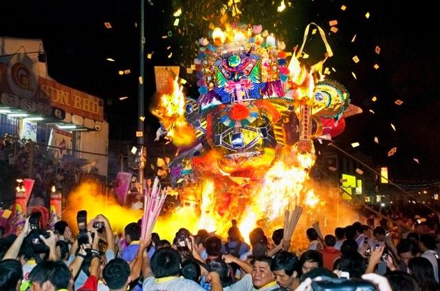 Festival de los fantasmas hambrientos/ China