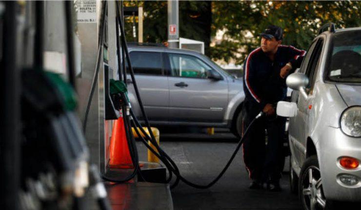Bencinas arrancan 2019 con su mejor precio en casi seis meses