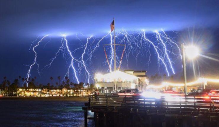 Ordenan desalojo en el sur de California por tormentas