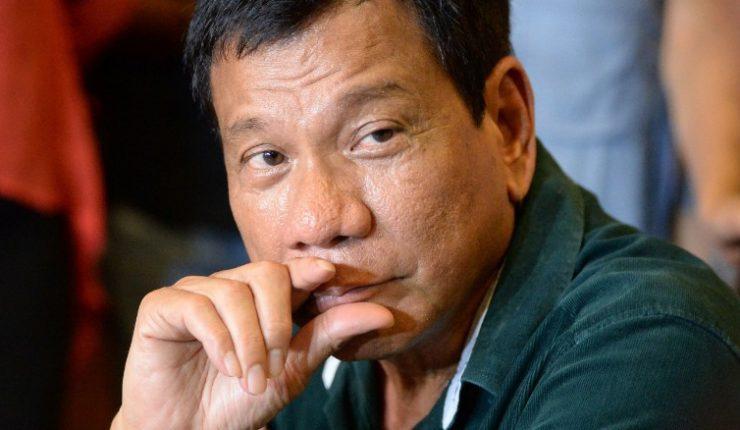 Duterte amenazó con guerra a Canadá por enviar basura a su país