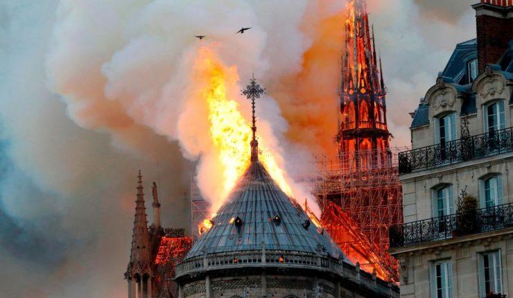 Resultado de imagen para incendio notre dame youtube