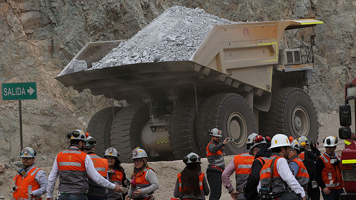 Trabajadores de Chuquicamata rechazan oferta de Codelco y siguen en huelga