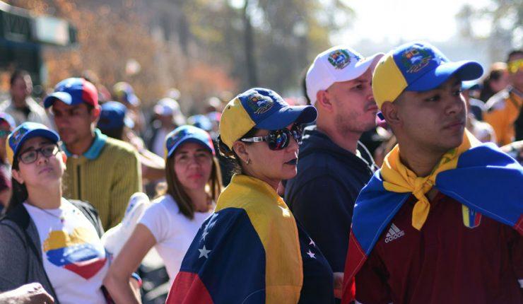 Venezolanos podrán entrar a Chile por