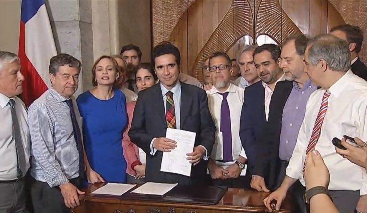 Congreso chileno aprueba alza de hasta 50% en pensiones mínimas