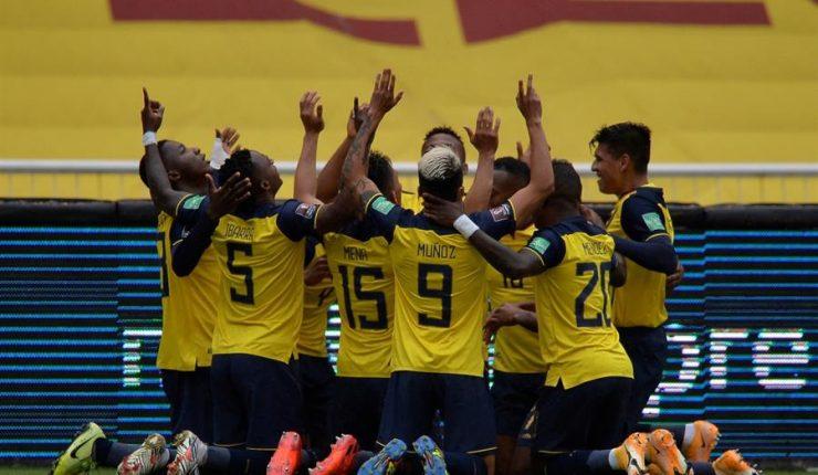 Ecuador aplastó a Colombia por 6-1 y quedó en zona de Mundial